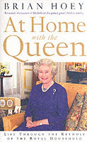 At Home with the Queen av Brian Hoey (Heftet)