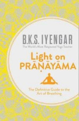Omslag - Light on Pranayama