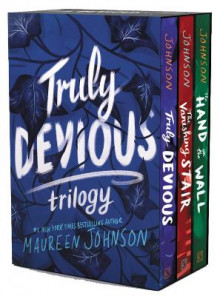 Truly Devious 3-Book Box Set av Maureen Johnson (Heftet)