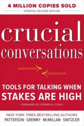 Crucial Conversations: Tools for Talking When Stakes Are High, Second Edition av Joseph Grenny, Ron McMillan, Kerry Patterson og Al Switzler (Heftet)