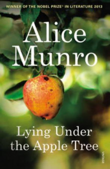 Lying under the apple tree av Alice Munro (Heftet)