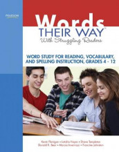 Words Their Way with Struggling Readers av Donald Bear, Kevin Flanigan, Latisha Hayes, Marcia Invernizzi, Francine Johnston og Shane Templeton (Heftet)