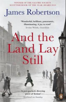 And the land lay still av James Robertson (Heftet)