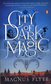 City of dark magic av Magnus Flyte (Heftet)