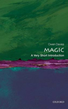 Magic: A Very Short Introduction av Owen Davies (Heftet)