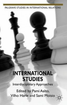 International Studies (Innbundet)