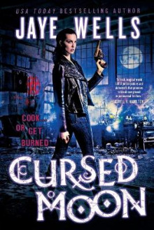 Cursed Moon av Jaye Wells og Richard Wells (Heftet)