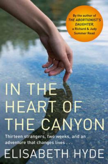 In the Heart of the Canyon av Elisabeth Hyde (Heftet)