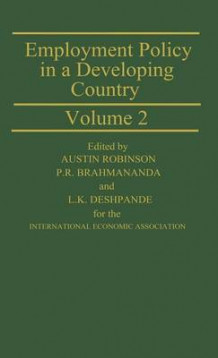 Employment Policy in a Developing Country: a Case-study of India: v. 2 av Austin Robinson (Innbundet)