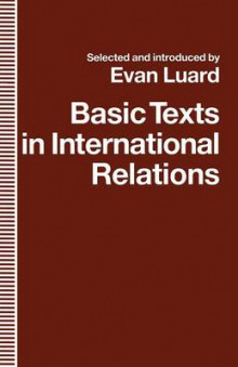 Basic Texts in International Relations av Evan Luard (Heftet)