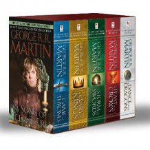 George R. R. Martin's a Game of Thrones 5-Book Boxed Set (Song of Ice and Fire Series) av George R R Martin (Heftet)