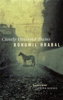 Closely Observed Trains av Bohumil Hrabal (Heftet)