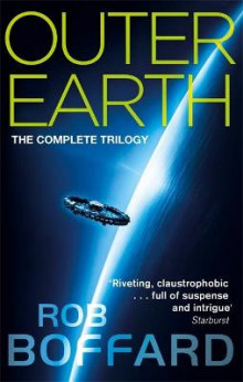 Outer Earth: The Complete Trilogy av Rob Boffard (Heftet)