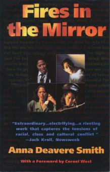 Fires in the Mirror av Anna Deavere Smith (Heftet)