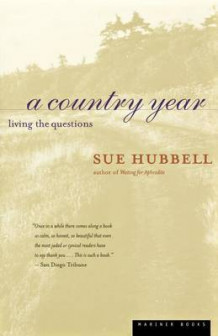 A Country Year av Sue Hubbell (Heftet)