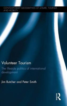 Volunteer Tourism av Peter Smith og Jim Butcher (Innbundet)