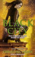 Black City av Christina Henry (Heftet)