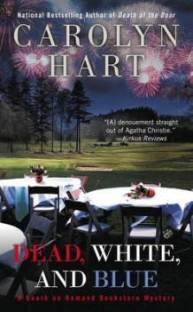 Dead, White, and Blue av Carolyn Hart (Heftet)