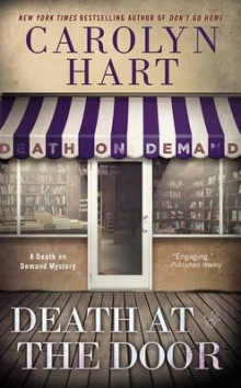 Death at the Door av Carolyn Hart (Heftet)