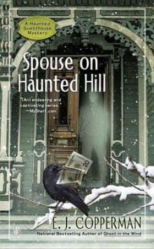 Spouse on Haunted Hill av E J Copperman (Heftet)