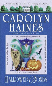Hallowed Bones av Carolyn Haines (Heftet)