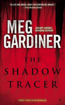 The Shadow Tracer av Meg Gardiner (Heftet)