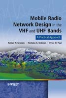 Mobile Radio Network Design in the VHF and UHF Bands av Adrian Graham, Nicholas C. Kirkman og Peter M. Paul (Innbundet)