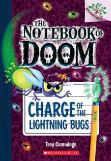 Charge of the Lightning Bugs: A Branches Book (the Notebook of Doom #8) av Troy Cummings (Heftet)