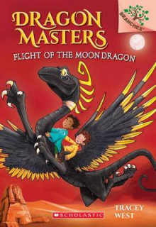 Flight of the Moon Dragon: A Branches Book av Tracey West (Innbundet)