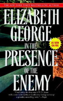 In the Presence of the Enemy av Elizabeth A George (Heftet)
