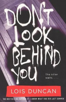 Don't Look Behind You av Lois Duncan (Innbundet)