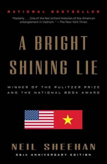 A Bright Shining Lie av Neil Sheehan (Heftet)