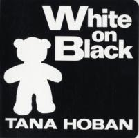 White on Black av Tana Hoban (Pappbok)