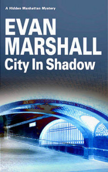 City in Shadow av Evan Marshall (Innbundet)
