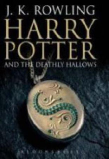Harry Potter and the deathly hallows av J.K. Rowling (Innbundet)
