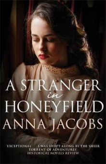 A Stranger In Honeyfield av Anna Jacobs (Heftet)