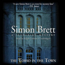 The Torso in the Town av Simon Brett og Geoffrey Howard (Innbundet)