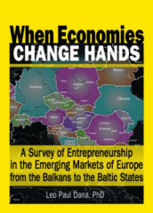 When Economies Change Hands av Leo Paul Dana (Innbundet)
