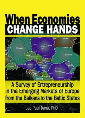 When Economies Change Hands av Leo Paul Dana (Heftet)