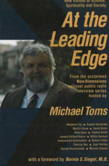 At the Leading Edge av Michael Toms (Heftet)