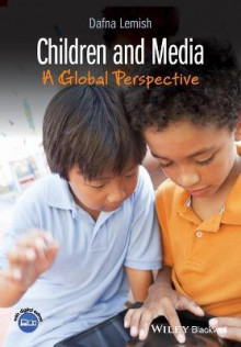 Children and Media av Dafna Lemish (Heftet)
