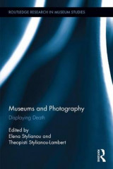 Omslag - Museums and Photography
