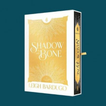 Shadow and Bone: The Collector's Edition av Leigh Bardugo (Innbundet)