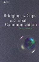 Bridging the Gaps in Global Communication av Doug Newsom (Heftet)