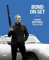 Omslag - Bond on Set Filming Skyfall