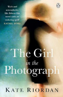The Girl in the Photograph av Kate Riordan (Heftet)