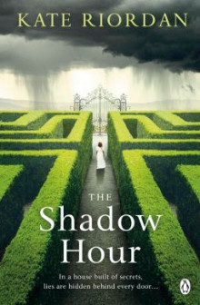 The Shadow Hour av Kate Riordan (Heftet)