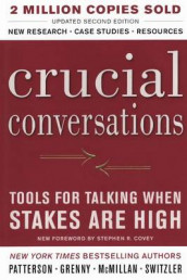 Crucial Conversations: Tools for Talking When Stakes Are High av Ron McMillan og Kerry Patterson (Innbundet)