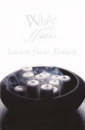 White Is for Magic av Laurie Faria Stolarz (Innbundet)
