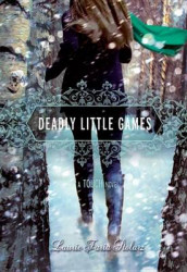 Deadly Little Games av Laurie Faria Stolarz (Innbundet)